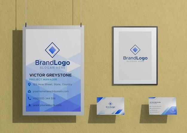 Papel de maqueta comercial de logotipo de empresa enmarcado PSD gratuito