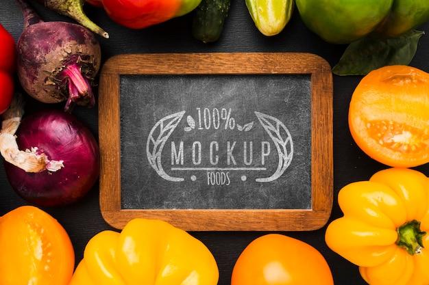Paprika's en andere groenten, lokaal geteelde groenten, mock-up Gratis Psd