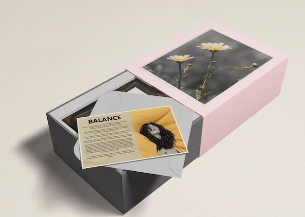 Parfum in dozen met beschrijving Gratis Psd