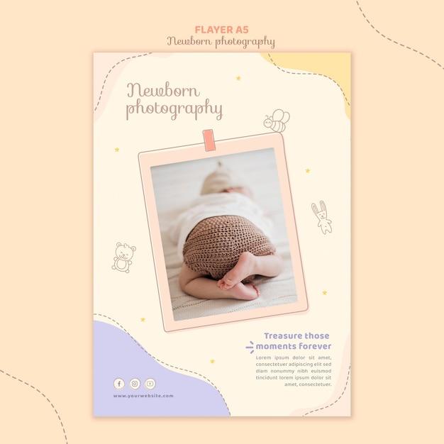 Pasgeboren slapende folder sjabloon voor briefpapier Gratis Psd
