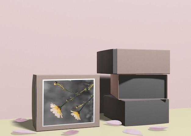 Pila de cajas de perfume en la mesa PSD gratuito