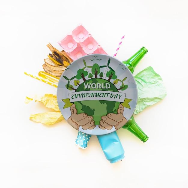 Plaat mockup met wereld milieu dag concept Gratis Psd