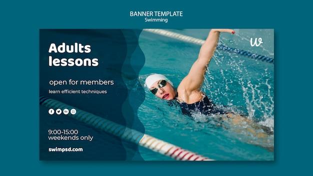 Plantilla de banner de clases de natación para adultos PSD gratuito