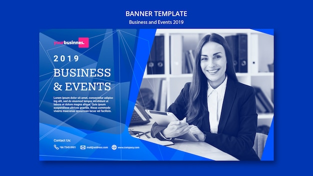 Plantilla de banner moderno con mujer de negocios PSD gratuito