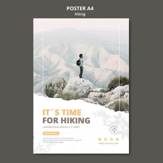 Plantilla de póster de concepto de senderismo PSD gratuito
