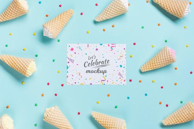 Plat lag verjaardag concept met ijs Gratis Psd