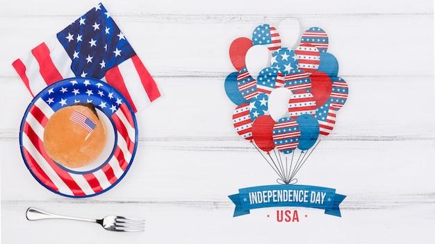 Plat leggen onafhankelijkheidsdag mockup met copyspace Gratis Psd