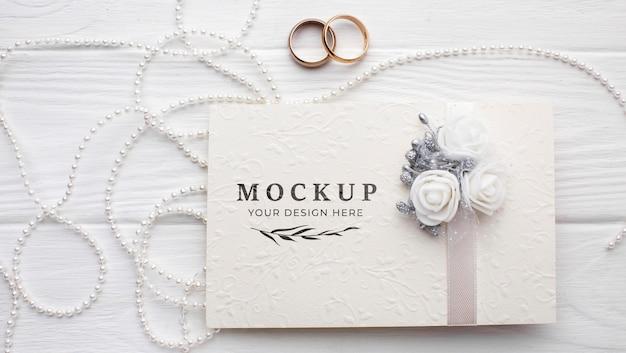 Plat leggen van prachtige bruiloft concept mock-up Gratis Psd