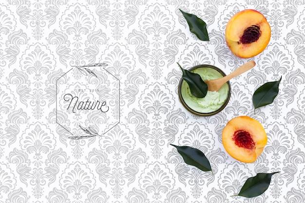 Plat leggen van roomboterroom en nectarines Gratis Psd