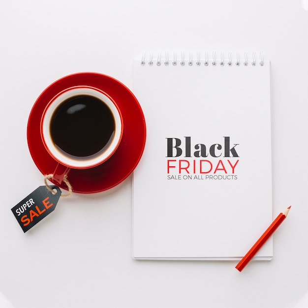 Plat leggen van zwarte vrijdag concept op effen achtergrond Gratis Psd