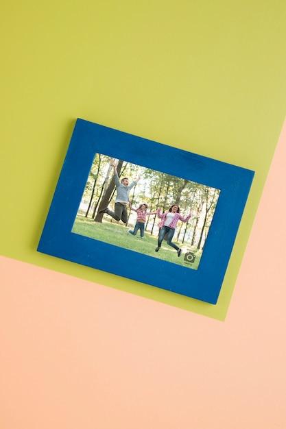 Posa piatta di cornice semplice per fotografie Psd Gratuite