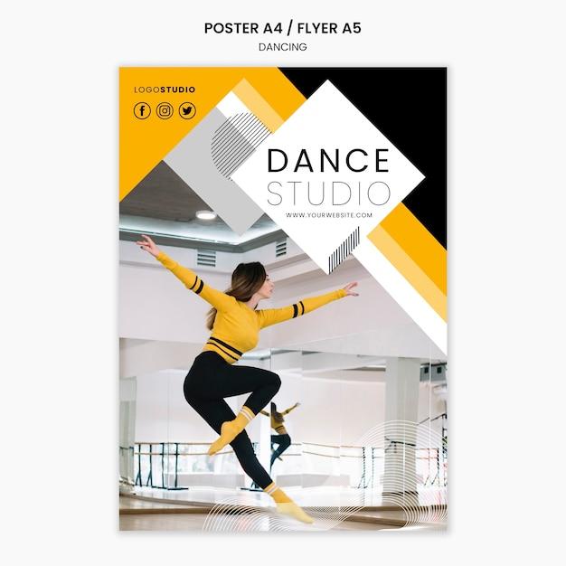 Poster sjabloon met dansstudio concept Gratis Psd