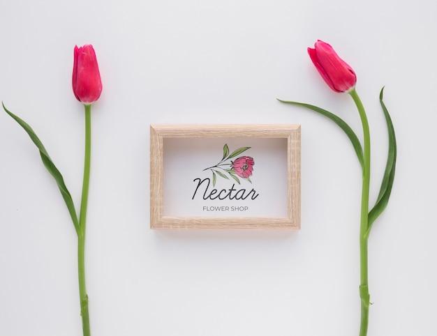 Prachtige lente bloemen concept mock-up Gratis Psd