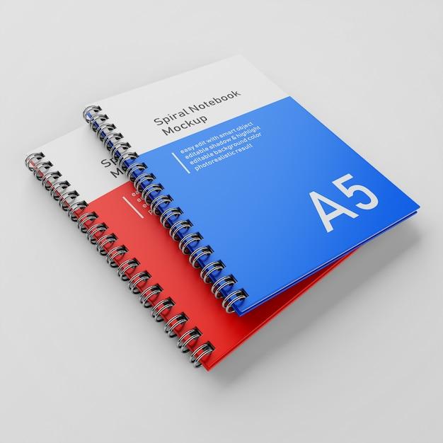Premium two a5 cover rigida per ufficio notebook con copertina rigida a spirale modello di disegno del modello impilati nella vista prospettica in alto a sinistra Psd Premium
