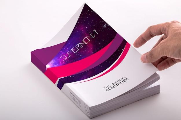 Prenota mock up di progettazione Psd Premium