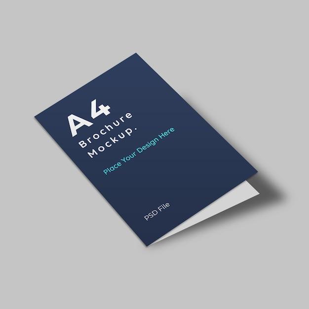 Primer plano de la maqueta de la portada del folleto tamaño a PSD Premium