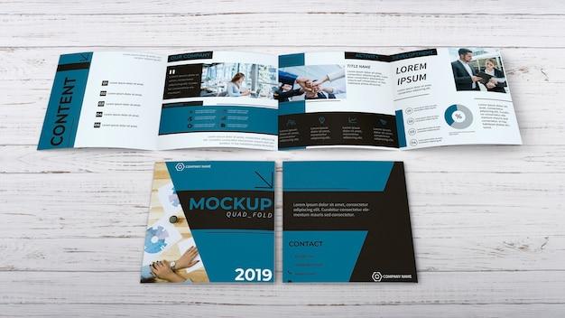 Quadfold brochure mockup Gratis Psd