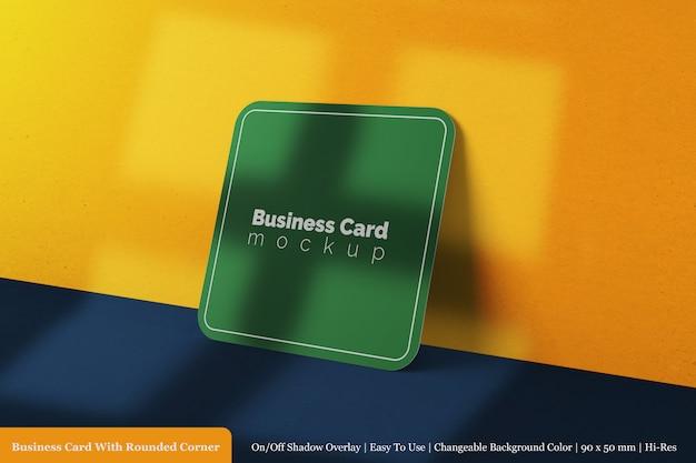 Realistische 3d teruggegeven enkel visitekaartje met ronde hoek mockup sjabloon Premium Psd