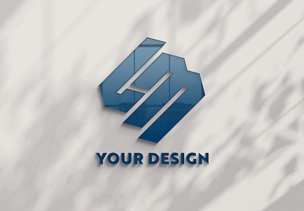 Reflecterend logo op de kantoormuur Premium Psd