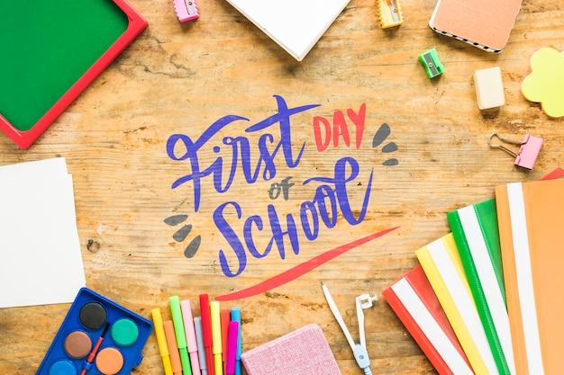 Regeling met benodigdheden voor de eerste schooldag Gratis Psd