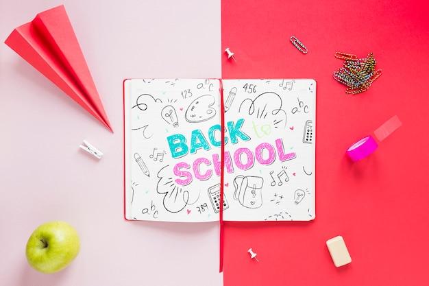 Ritorno a scuola disegno su quaderno aperto Psd Gratuite