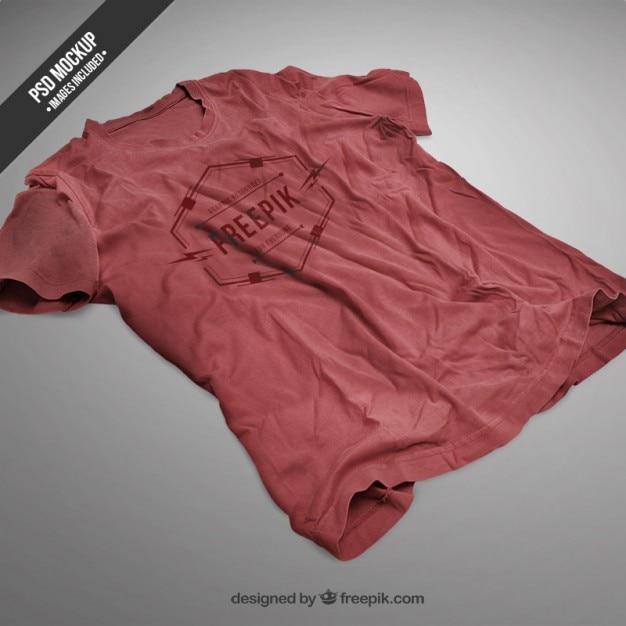 Rode t-shirt mockup Gratis Psd