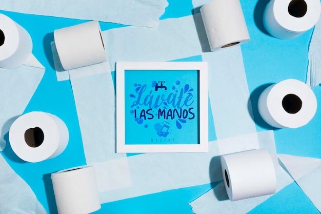 Rollos de papel higiénico con marco PSD gratuito