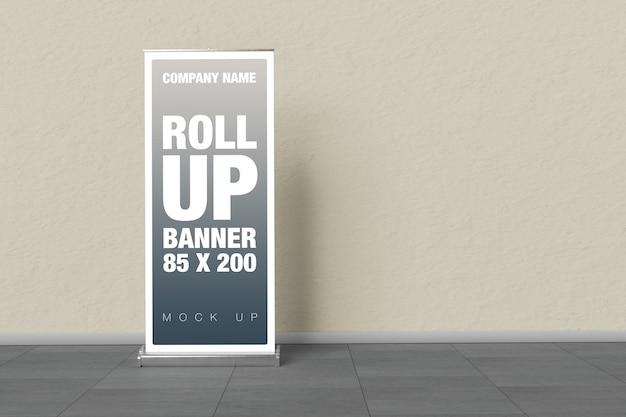 Rollup mockup en la pared PSD Premium