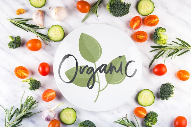 Ronde papieren mockup en biologisch voedsel Gratis Psd