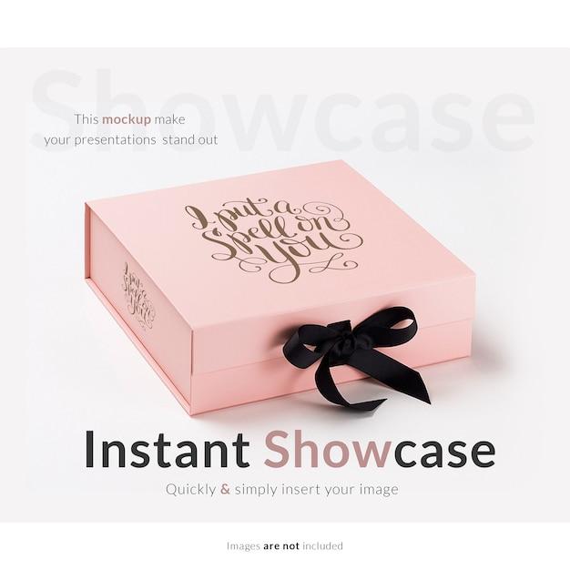 Roze cadeau doos bespotten Gratis Psd