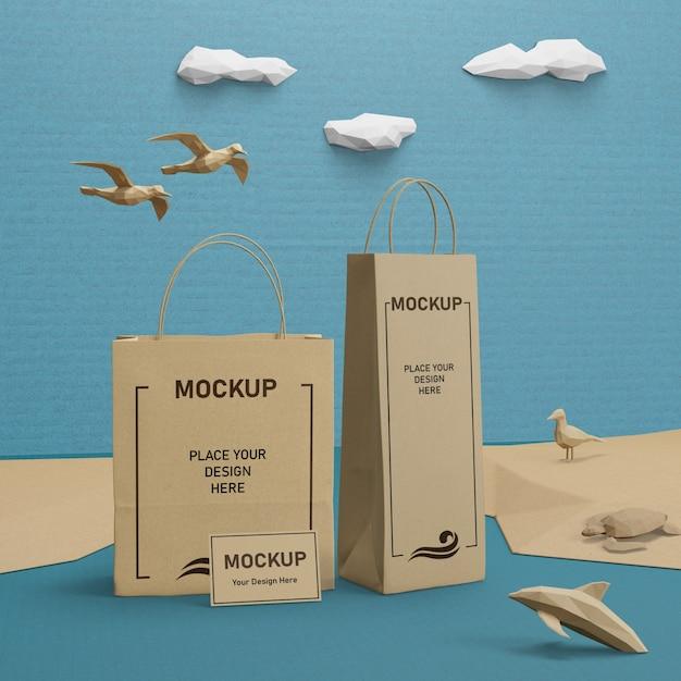 Sacchi di carta e vita di mare con il concetto di mock-up Psd Gratuite