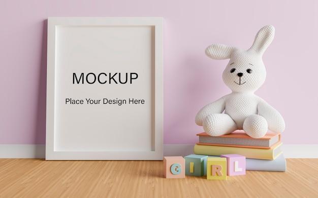 Simulacros de marco de póster con lindo conejo para una representación 3d de baby shower de niña PSD Premium