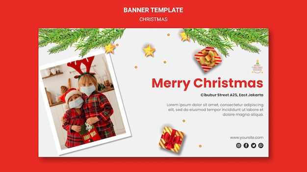 Sjabloon voor horizontale spandoek voor kerstfeest met kinderen in kerstmutsen Gratis Psd