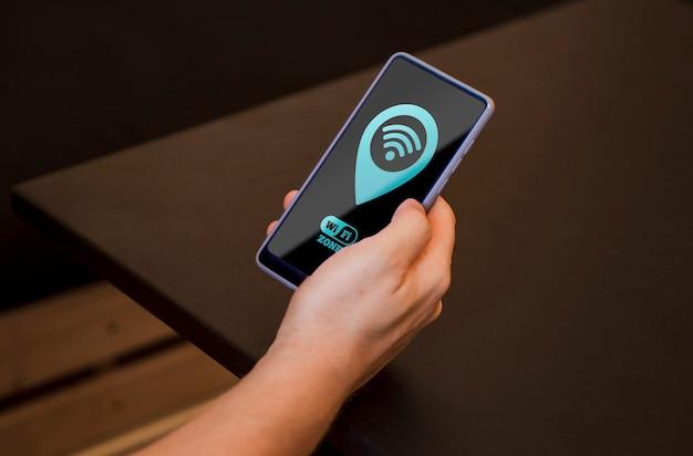 Smartphone a lunga visione con connettività 5g Psd Gratuite