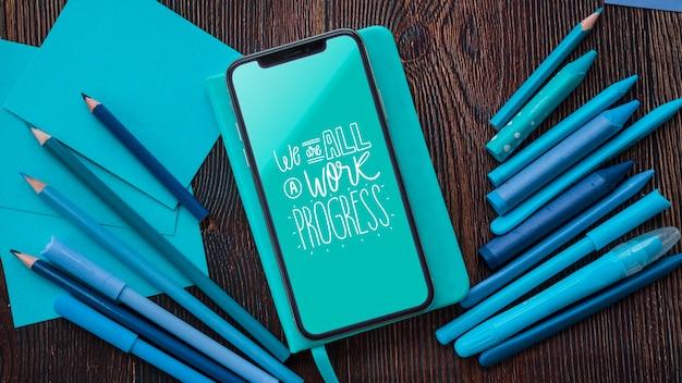 Smartphone en hulpmiddelen voor kunstwerk Gratis Psd