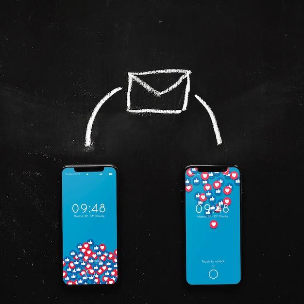 Smartphone-model met internet-concept Gratis Psd