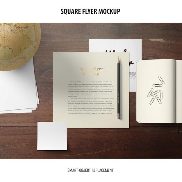 Square flyer mockup Psd Gratuite