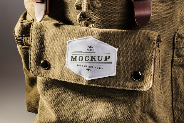 Stoffen kleding patchmodel op rugzak Gratis Psd