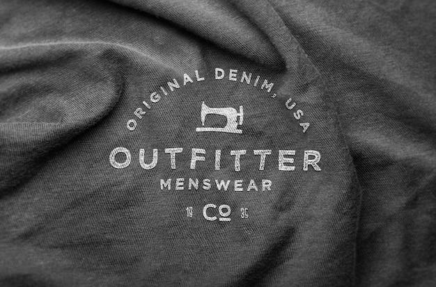 Suéter arrugado de maqueta con logo PSD Premium