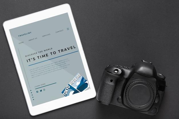 Tablet met reizende website Gratis Psd