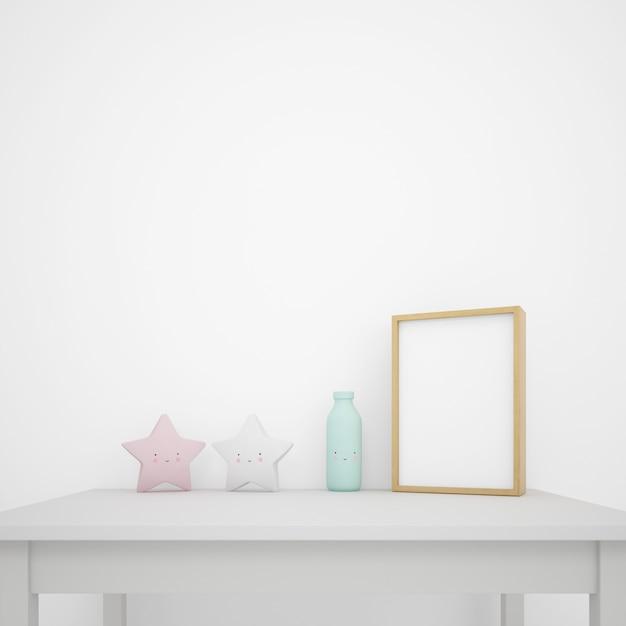 Tavolo bianco decorato con oggetti kawaii e cornice per foto, parete vuota con copyspace Psd Gratuite