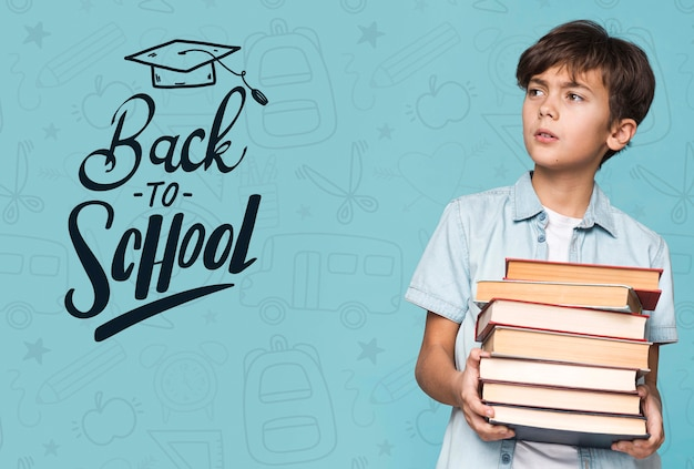 Terug naar school jonge schattige jongen mock-up Gratis Psd
