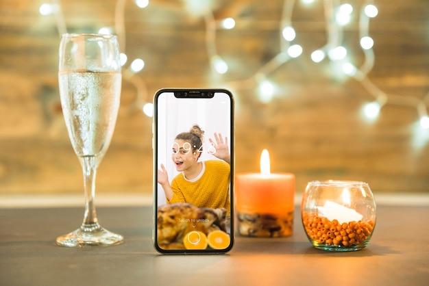 Thanksgiving mockup met smartphone Gratis Psd