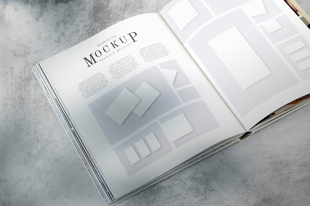 Tijdschrift lay-out mockup op de vloer Gratis Psd