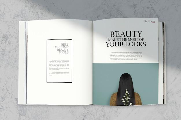 Tijdschriftmodel met schoonheidstools Gratis Psd