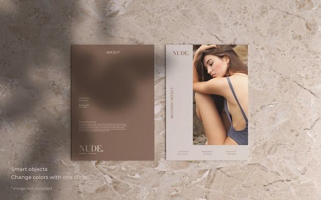 Twee brochure mockup in minimalistische stijl Gratis Psd