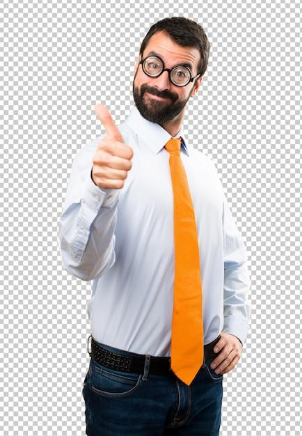 Uomo divertente con gli occhiali con il pollice in su Psd Premium
