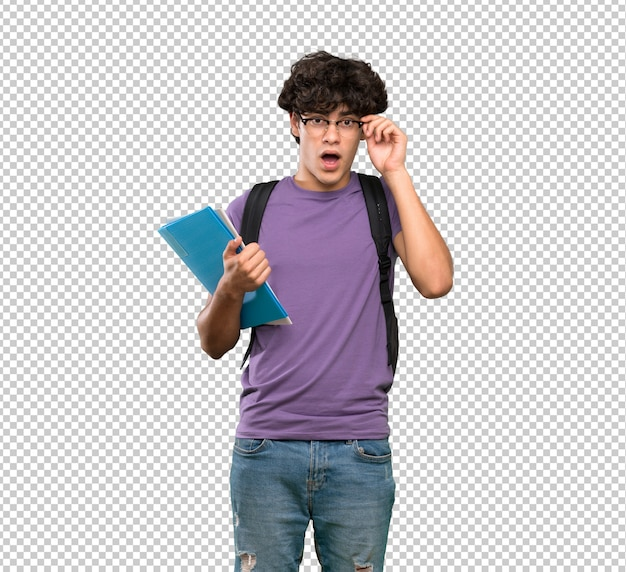 Uomo giovane studente con gli occhiali e sorpreso Psd Premium