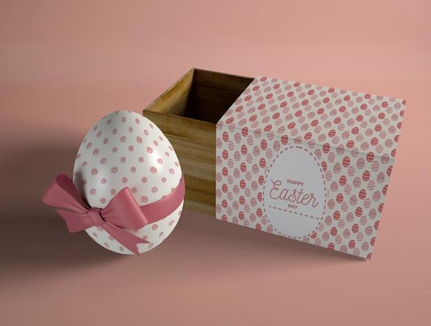 Uovo avvolto alto angolo con scatola Psd Gratuite