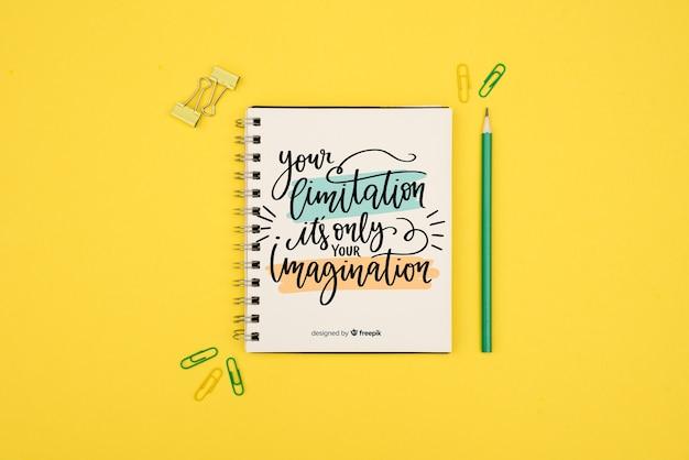 Uw beperking is slechts uw verbeeldingscitaat op gele achtergrond Gratis Psd